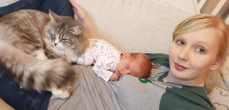 leilani and cat pebbles rainbow baby